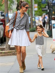 Stylish celebrity moms (Katie Holmes with Suri)