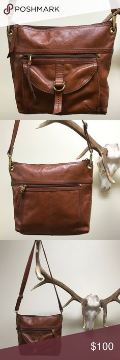 Fossil cross body Great condition. Fossil Bags Crossbody Bags