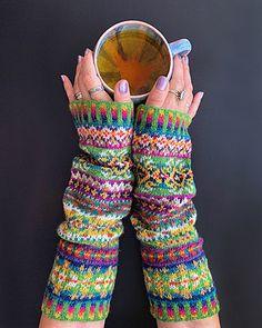 Ravelry: Fantasy Armwarmers pattern by Natela Astakhova Crochet Gloves, Knit Crochet, Photography Gloves, Fingerless Mitts, Fair Isle Knitting, Knitting Accessories, Mitten Gloves, Hand Warmers, Knitting Patterns