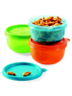 i love this tupperware product,great for cereal or gold fish for little ones!!!