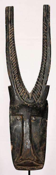 Máscara Bambara de 71 cm de altura. Originaria de Malí.
