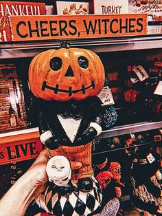 Books and Other Little Nooks Halloween Horror, Halloween Town, Halloween 2020, Vintage Halloween, Happy Halloween, Halloween Stuff, Halloween Clothes, Halloween Inspo, Halloween Pumpkins