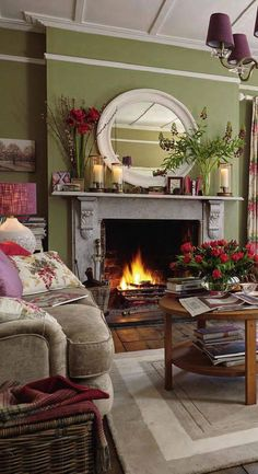 Laura Ashley Spring/Summer 2016 Catalog by Laura Ashley Sweden - issuu - Modern Living Room Cottage Living Rooms, Living Room Green, Green Rooms, Cottage Interiors, Home Living Room, Living Room Designs, English Living Rooms, Green Walls, Cottage Lounge