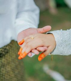 Wedding Pictures Beach, Barn Wedding Photos, Wedding Poses, Wedding Ideas, Rustic Wedding Photography, Bridal Photography, Couple Photography, Cute Muslim Couples, Cute Couples