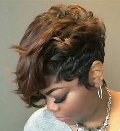 How to dry your pixie cut? Short hair, we do not need to dry it. The goal is that after the shower you can simply wring a little hair with a towel, apply a care product or styling and leave… Continue Reading → Short Weave Hairstyles, Black Women Hairstyles, Girl Hairstyles, Hairstyles Videos, Short Relaxed Hairstyles, Hairstyles Pictures, Elegant Hairstyles, Curly Hair Styles, Natural Hair Styles
