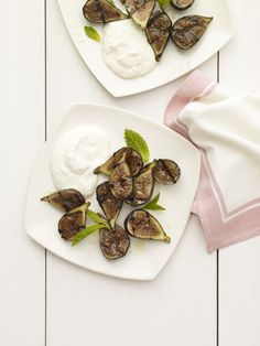 Grilled Figs with Rum-Infused Ricotta #fruit #summer #dessert