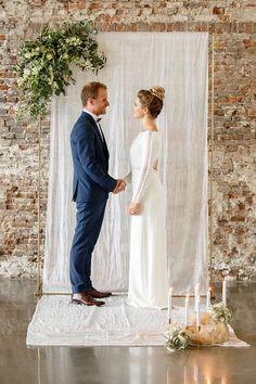 Utilisation d'un lai de tissu pour décor de cérémonie de  mariage