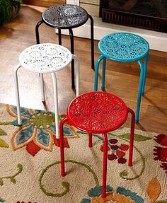 Use this Metal Daisy Stool as a seat, plant stand or side table. The handy stool features a decorative, daisy-like cutout on the top and a lightweight, yet stur
