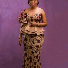 Trendy Kente Styles You Can Rock This Month - Sisi Couture African Lace Styles, African Lace Dresses, African Dresses For Women, African Attire, African Wear, African Fashion Ankara, Latest African Fashion Dresses, African Print Fashion, Ankara Rock