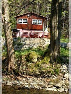 Krásná chata v Krásné - Boudy k pronájmu v Krásná Chata, Cabin, House Styles, Room, Home Decor, Bedroom, Decoration Home, Room Decor, Cabins
