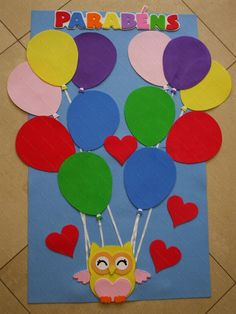 Mural de aniversariantes para compor a sala de aula. MEDIDAS: ALTURA 79 cm. LARGURA: 64 cm PREÇO PARA COMPRAR À VISTA! Kids Crafts, Clown Crafts, Preschool Arts And Crafts, Animal Crafts For Kids, Hobbies And Crafts, Preschool Activities, School Board Decoration, Class Decoration, School Decorations