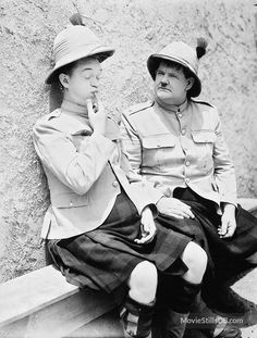 Bonnie Scotland - Publicity still of Stan Laurel & Oliver Hardy. The image measures 743 * 979 pixels and was added on 25 July Great Comedies, Classic Comedies, Classic Movies, Classic Hollywood, Old Hollywood, Hollywood Stars, Stan Laurel Oliver Hardy, Photo Star, Comedy Duos