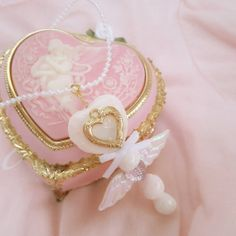 Angel Aesthetic, Aesthetic Vintage, Pink Aesthetic, Objets Antiques, Lizzie Hearts, Princess Aesthetic, Everything Pink, Pink Princess, Pink Lips