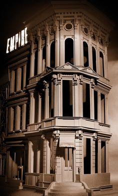 ノスタルジックな世界に恍惚。ダンボールで作られた風景や建物が美しい。