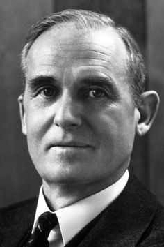 """William Francis Giauque, The Nobel Prize in Chemistry 1949, Born: 12 May 1895, Niagara Falls, Canada, Died: 28 March 1982, Berkeley, CA, USA, Affiliation at the time of the award: University of California, Berkeley, CA, USA, Prize motivation: """"for his contributions in the field of chemical thermodynamics, particularly concerning the behaviour of substances at extremely low temperatures."""""""