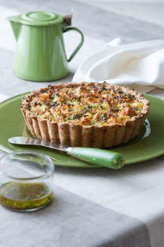 La quiche con tonno e peperoni al sapore di acciuga è un piatto molto semplice da preparare. Scopri la ricetta visitando anche tu il sito Sale&Pepe.