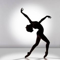 Silhouette ballet dancer white background harsh lighting shadows photography black and white photography Dance Like No One Is Watching, Dance Poses, Ballet Photography, White Photography, Lets Dance, Praise Dance, Dance Movement, Dance Pictures, Ballet Pictures
