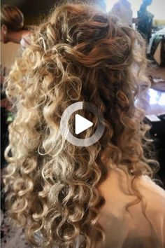 Stunning Wedding Hairstyles for Naturally Curly #curlyhairstyles Easy Hairstyles For Long Hair, Braids For Long Hair, Long Curly Hair, Braided Hairstyles, Wedding Hairstyles, Curly Hair Styles, Natural Hair Styles, Curly Wedding Hair, Natural Curls