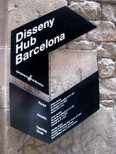 ez travel circo: Sign Design / Barcelona #design #typography #signaletik #signage #zeichen #leitsystem #environmental
