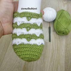PATİK DÜNYASI & HANDMADE SOCKS (@emelhobievi)   Instagram photos and videos Socks And Sandals, Crochet Slippers, Knitting Socks, Fingerless Gloves, Arm Warmers, Stitch Patterns, Photo And Video, Videos, Handmade