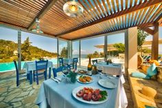 There is no disputing the rising popularity in villa-getaways amongst holidaymakers around the world, however, have you ever considered holiday accommodation in Beach Villa, Green Valley, Holiday Accommodation, Swimming Pools, Pergola, Outdoor Structures, Villas, Restaurants, Swiming Pool