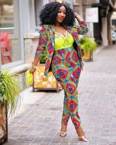 12 Ankara Styles For Ladies - African Wear Outfits Ankara Styles For Ladies - African Wear Outfits. Ankara Styles For Ladies - African Wear Outfits Short African Dresses, Ankara Short Gown Styles, Trendy Ankara Styles, Short Dresses, African Fashion Ankara, Latest African Fashion Dresses, African Print Fashion, African Prints, Africa Fashion