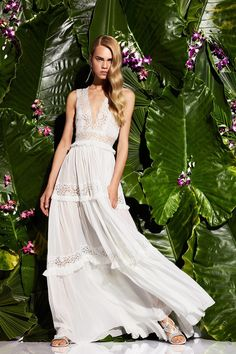 Zuhair Murad Resort 2017 Collection: white sleeveless gown with tiered skirt