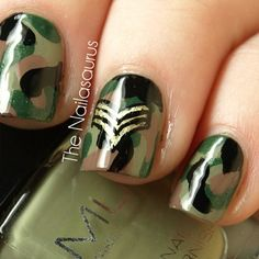 Military nails-camouflage and rank insignia Uk Nails, Love Nails, How To Do Nails, Pretty Nails, Hair And Nails, Military Nails, Army Nails, Military Girl, Military Salute