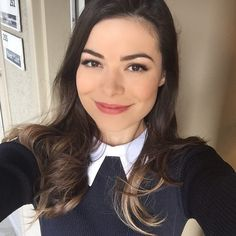Miranda Cosgrove ☆ Why are they all Selfies? Miranda Cosgrove, Disney Actresses, Child Actresses, Nickelodeon Girls, Jennifer Connelly, Demi Lovato, Beautiful Celebrities, American Actress, Instagram
