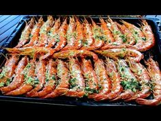 Bacon baked prawns easy recipe and discover as the hair! My Favorite Food, Favorite Recipes, Bacon, Fish Stew, Spanish Food, Prawn, Fish And Seafood, I Foods, Tapas
