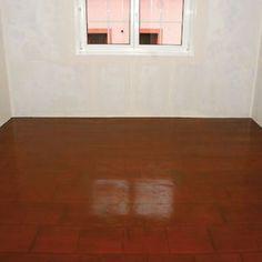 Lacná obnova podlahy farbou
