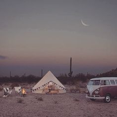 Pure tranquility  #Regram from @somedayslovin  #bliss #nature #goodnight #beauty #desert #camp #campervan #tent #wanderlust #travel #inspiration #goodvibes #tranquility #boho #bohemian #gypsy #gypsylife #indie #hippie #fashionblogger #moon #campfire #style
