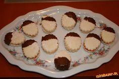 Úžasne jemné maizenové koláčiky Christmas Cookies, Muffin, Pudding, Breakfast, Food, Basket, Essen, Xmas Cookies, Morning Coffee