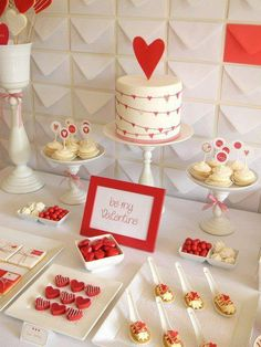 AWESOME Valentine's dessert table! CUTE or NOT?
