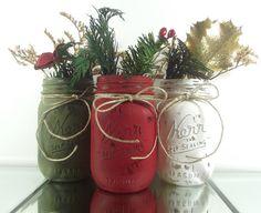Holiday Decor - Three, Hand Painted Mason Jars -- Dark Green, Dark Red and White Painted Mason Jars Red Mason Jars, Pot Mason, Christmas Mason Jars, Painted Mason Jars, Mason Jar Diy, Diy Jars, Wine Bottle Crafts, Jar Crafts, Pots