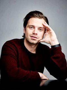 Sebastian Stan - Hledat Googlem