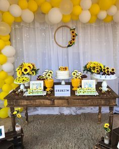 70 lovely ideas on how to make yours - Birthday FM : Home of Birtday Inspirations, Wishes, DIY, Music & Ideas Sunflower Party Themes, Sunflower Birthday Parties, Sunflower Decorations, Birthday Bash, It's Your Birthday, Girl Birthday, Sunflower Baby Showers, Baby Shower Flowers, Girl Baby Shower Decorations