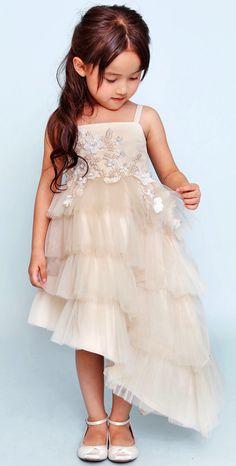 New Season: Dorian Ho Haute Couture Small Girls Dress, Girls Dresses, Flower Girl Dresses, Little Fashion, Baby Girl Fashion, Kids Fashion, Fashion 2018, Baby Dior, Kids Frocks Design