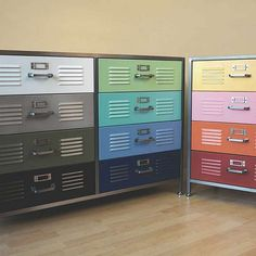 Colorful cabinets.      Oh my.. Someone find these for meeeeeeee <3