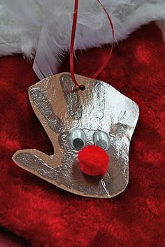 Hand print reindeer ornament.  Easy and so cute.