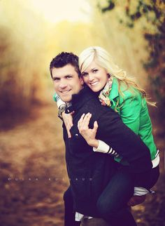 36 ideas for funny couple pictures poses sweets Funny Couple Poses, Funny Couple Pictures, Couple Picture Poses, Photo Couple, Couple Posing, Couple Photos, Picture Ideas, Photo Ideas, Family Photos