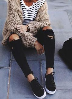 chunky knit cardigan, striped top, ripped skinnies, black sneakers street style Stylish and unique outfits fit to please Fashion Mode, Look Fashion, Winter Fashion, Womens Fashion, Vogue Fashion, Fashion Trends, Feminine Fashion, Fashion Black, Fashion Ideas