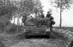 Möbelwagen in northern France, June 21, 1944 Bundesarchiv Bild 101I-301-1955-05, Nordfrankreich, Flakpanzer auf Landstraße - Möbelwagen, Möbelwagen in northern France, June 21, 1944