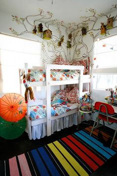bunks, tree wall art w/ bird houses