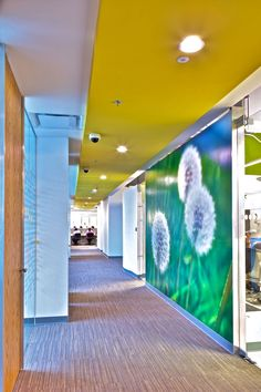 Office Tour: San Pablo Group Offices – Mexico City – Home office wallpaper Corporate Office Design, Corporate Interiors, Office Interiors, Corporate Offices, Office Ceiling, Office Wall Art, Office Walls, Office Decor, Office Wall Graphics