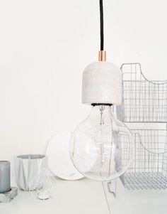 Lifestyle Home Collection Hanglamp Marble Hanging Lamp Dome. Stijlvolle pendel met marmeren lamphouder en koperkleurige trekontlaster.