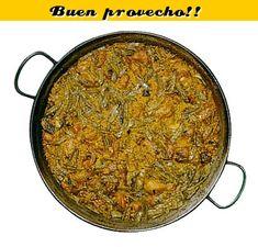 paella valenciena (recette en français) : Pour 4 personnes Poulet (700 g. 8 ou 10 pièces) Lapin (300 g. 4 ou 6 morceaux) 1CS à ras de paprika moulu. Safran en quantité suffisante ou cuillère à café de colorant alimentaire selon vos goûts 12 cuillères à soupe de tomate fraîche râpée Ferraura ou rotjet(haricot vert large et plat)(400 g.). Garrofón(gros haricot blanc) (100 g.) 3 ou 4 artichauts Les haricots blancs ou tavella (100 g.). Eau Huile d'olive vierge (15 cl. Ou 150 gr.) Riz (320 g.)…