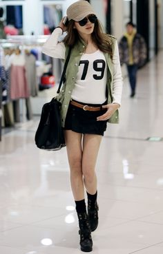 Different pants and this would be sooooo cute for school! <3