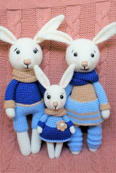 Bunny family crochet toys – free crochet pattern