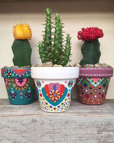 Flower pot for cactus / plants by in on Etsy Cactus House Plants, Cactus Pot, Cactus Flower, Cactus Decor, Flower Pot Crafts, Clay Pot Crafts, Diy And Crafts, Painted Clay Pots, Painted Flower Pots